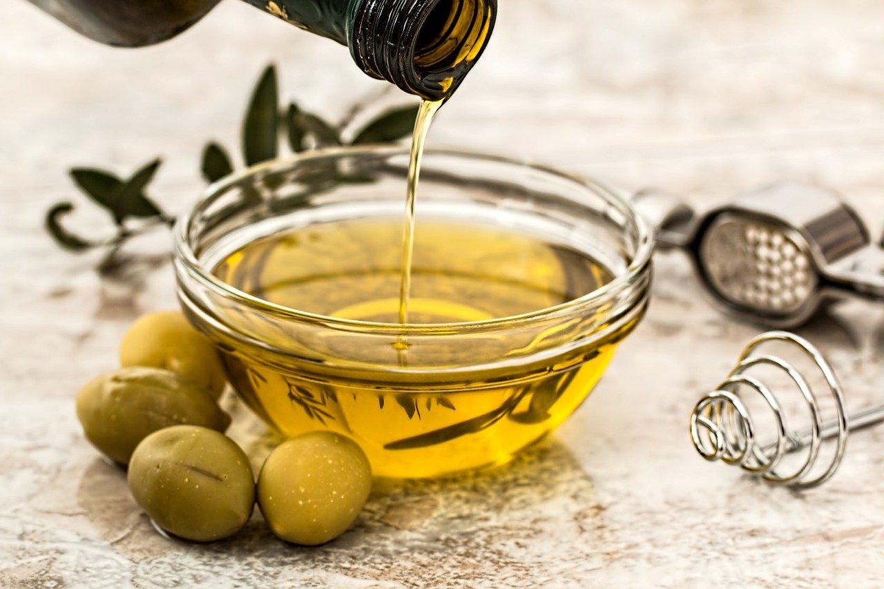 Olej rzepakowy czy oliwa z oliwek?