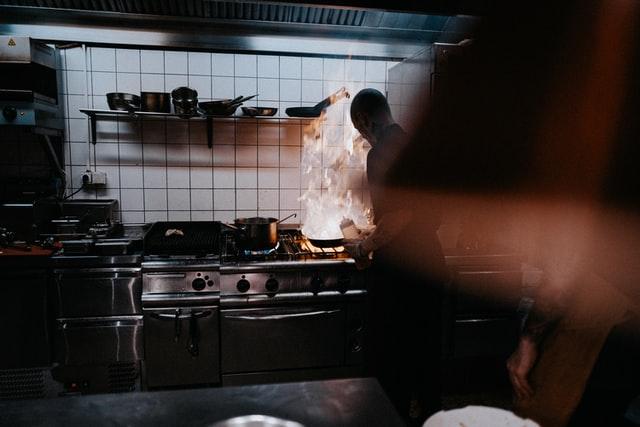 Ile czasu można przechowywać zużyty olej gastronomiczny?